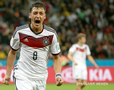 Die Mannschaft overcome courageous Algeria