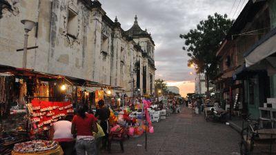 Street_in_León_Nicaragua_5.jpg